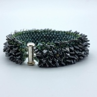 Beading kit - Dragonscale bracelet gunmetal and leaf green
