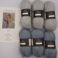 Isager Yarns knitted shawl kit CAMOMILLE - sky blue
